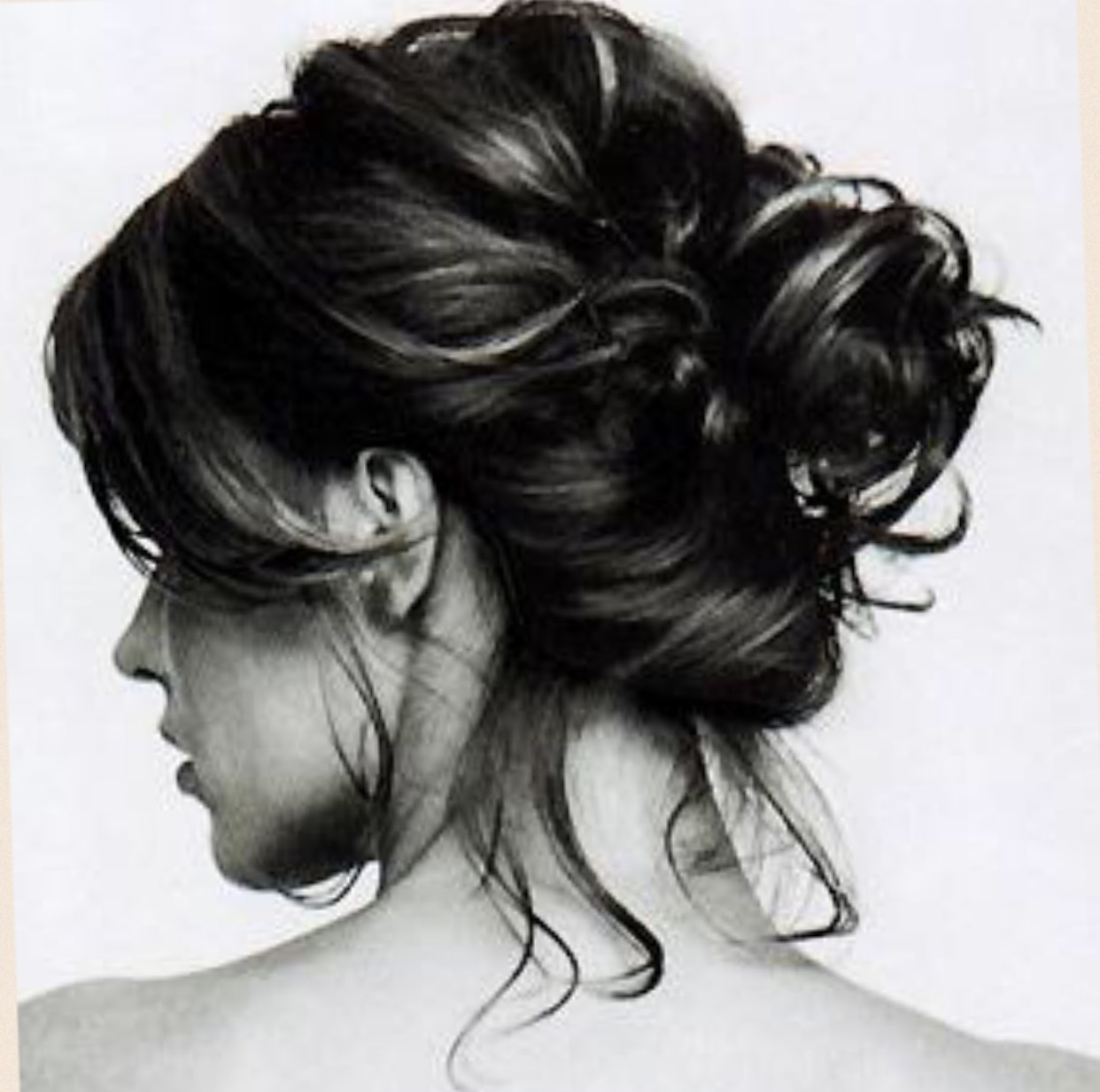 A messy bun can be beautiful.. Ways to achieve it