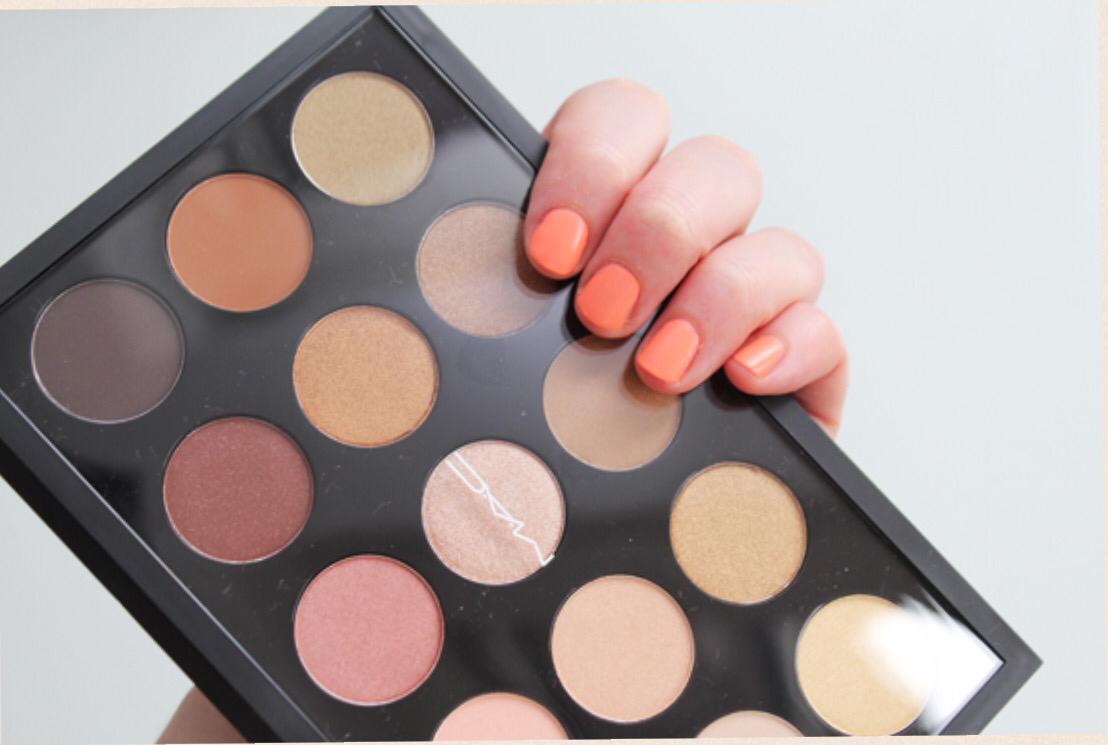 Benefits of MAC warm eye palette.