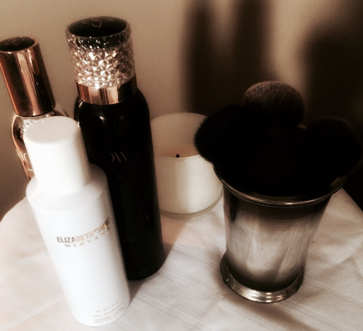 Use makeup brushes? Keep them clean!